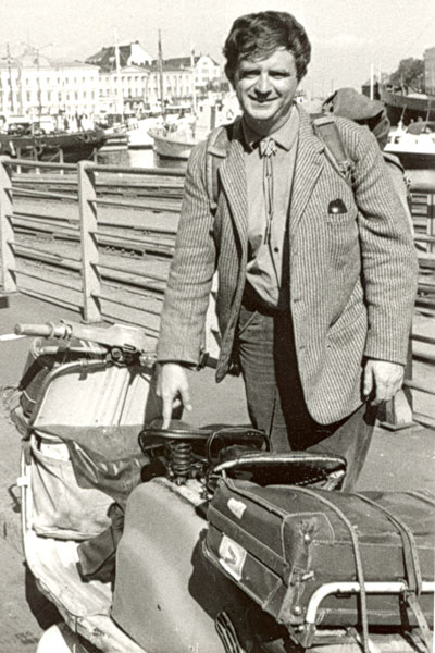 Jan Erik Vold med moped (privat foto)