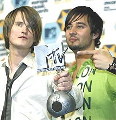 Röyksopp shown here at last year's MTV awards, took home prizes for Vieo of the Year as well as receiving the prestigious Spellemann-prize of the year for remarkable achievement (240x248)